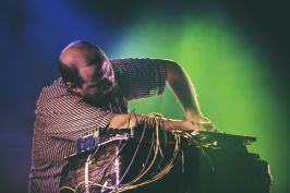 Dan Deacon // Photo by Autumn Andel