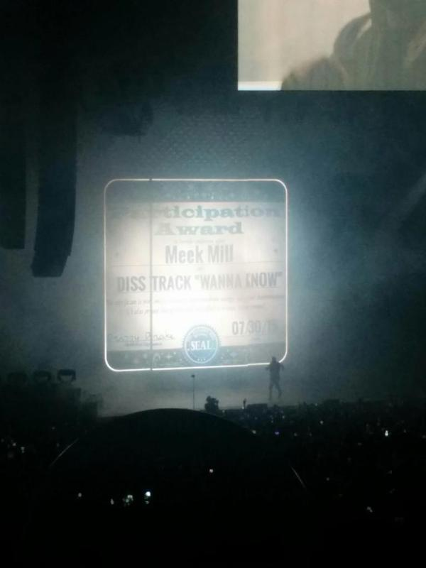 drake Drake destroys Meek Mill with memes, brings out Kanye West at OVO Fest