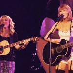 Taylor Swift Lisa Kudrow