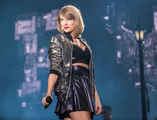 Taylor Swift, Minute Maid Park, photo by David Brendan Hall