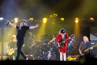 kaplan cos acdc 31 Live Review: AC/DC at Chicagos Wrigley Field (9/15)