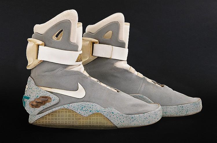 hacer un pedido lista nueva colores armoniosos Marty McFly's actual self-lacing Nike