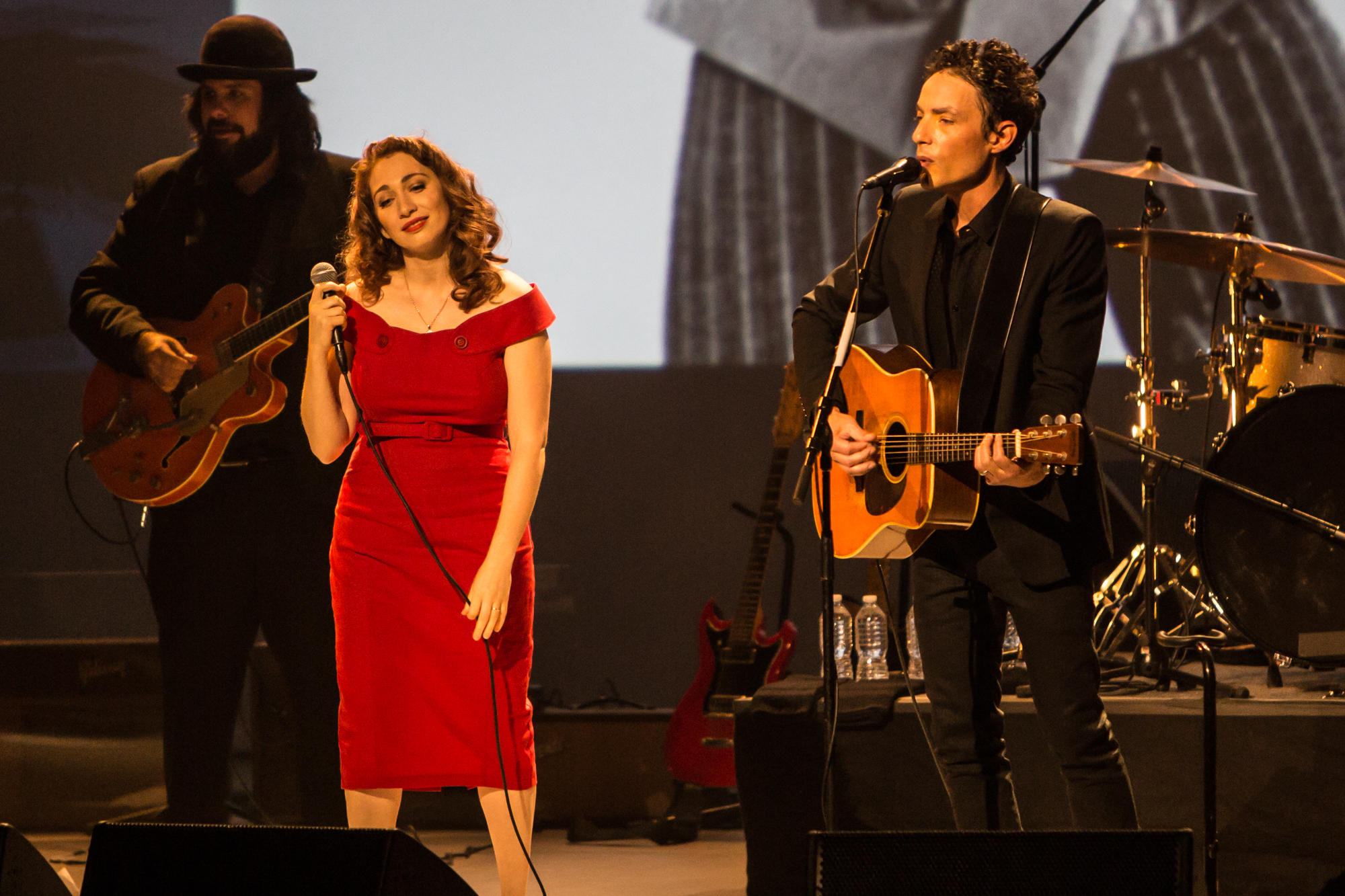 Regina Spektor and Jakob Dylan // Photo by Philip Cosores