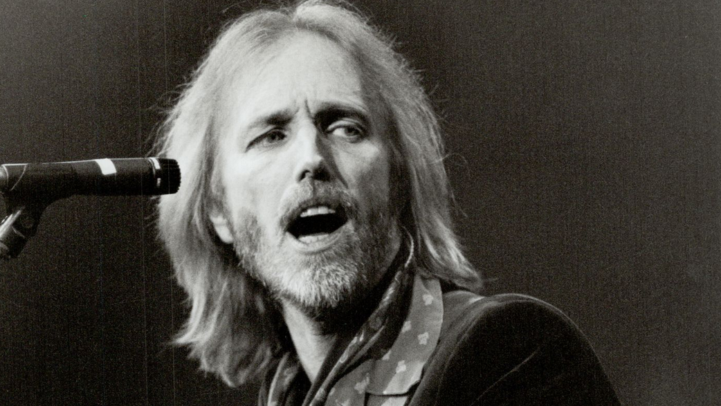 "Tom Petty ""clinging to life,"" not expected to live"