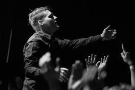 Deafheaven // Photo by Philip Cosores
