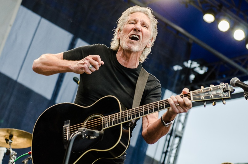 Ben-Kaye-Newport-Folk-Fest-Roger-Waters-3