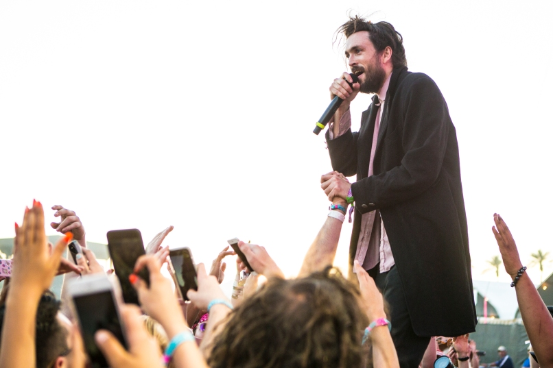 05-Edward-Sharpe-and-the-Magnetic-Zeroes---Cosores