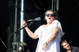 Elle King // Photo by Derrick Rossignol
