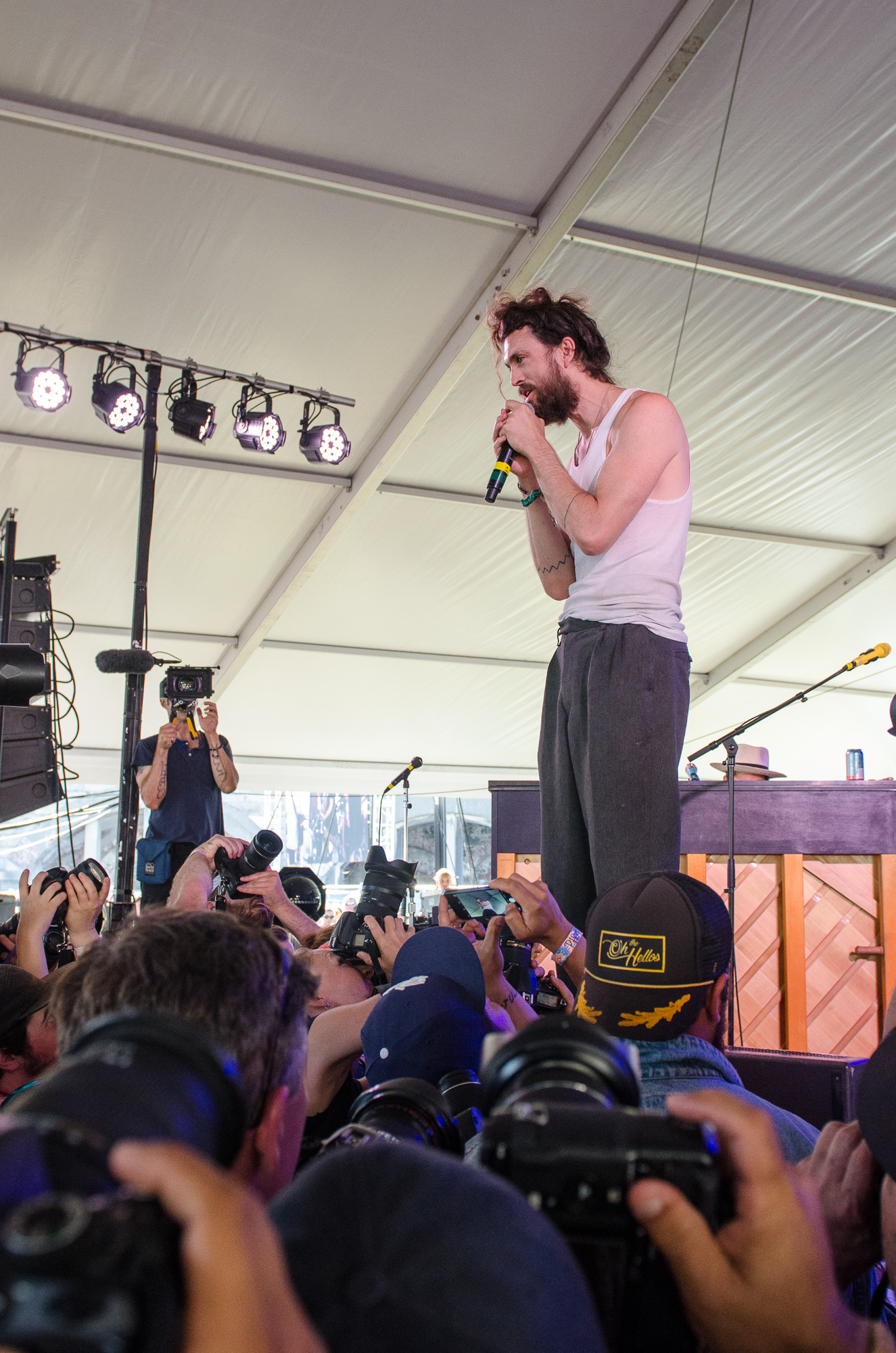 Edward Sharpe and the Magnetic Zeros // Photo by Ben Kaye