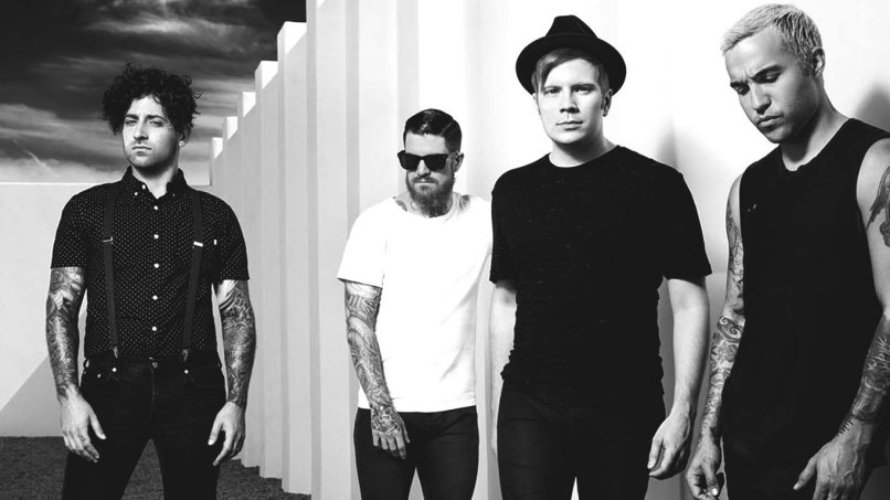 Fall-Out-Boy-Takes-Home-Third-Number-One-Album-News-FDRMX