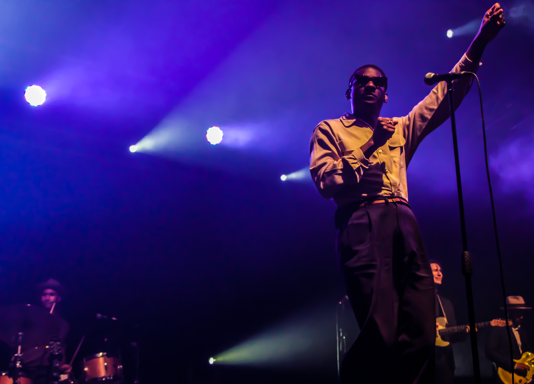 Leon Bridges // Photo by Lior Phillips