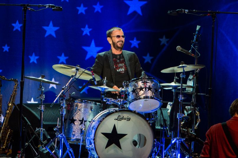 live review ringo starr and his all starr band at la 39 s greek theatre 7 2 consequence of sound. Black Bedroom Furniture Sets. Home Design Ideas