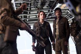 Jyn Erso (Felicity Jones) and Cassian Andor (Diego Luna) look over their crew