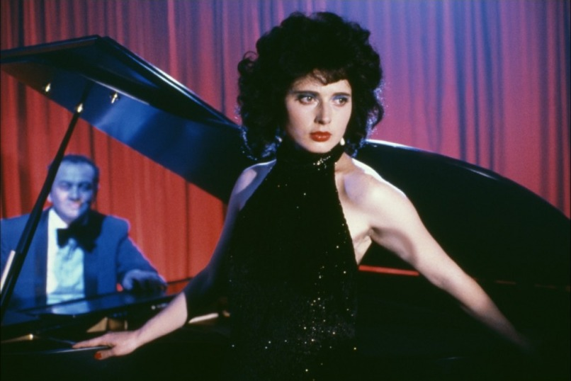 blue velvet 1 Ranking: Every David Lynch Film from Worst to Best
