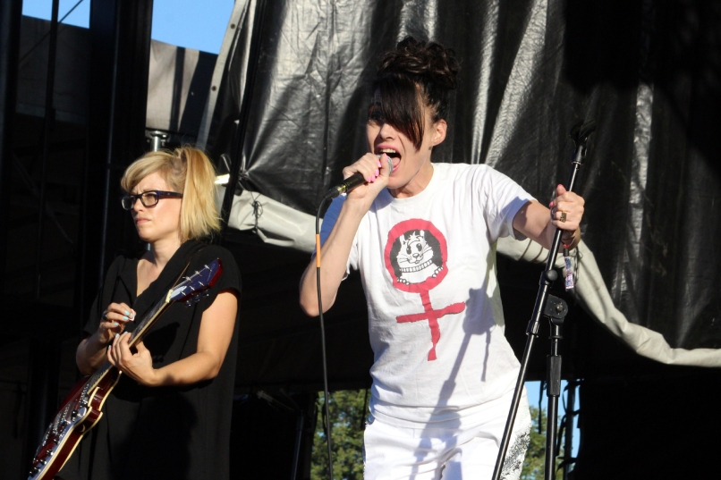 kaplan cos riot fest sunday julie ruin 18 Riot Fest Chicago 2016 Festival Review: From Worst to Best