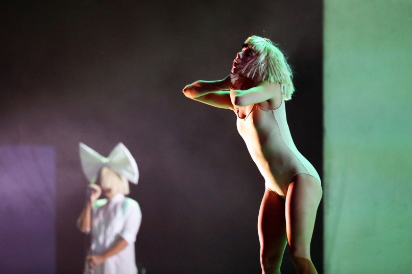 """Sia performs """"The Greatest"""" and """"Chandelier"""" at Apple's"""