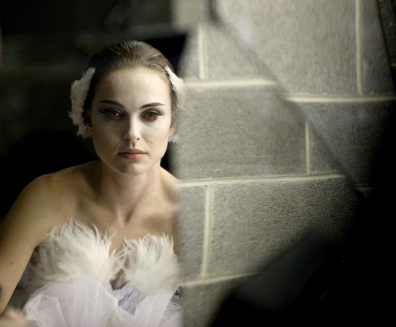 black swan 2010 In 2010, Darren Aronofskys Black Swan Turned Art into Beautiful, Genuine Terror