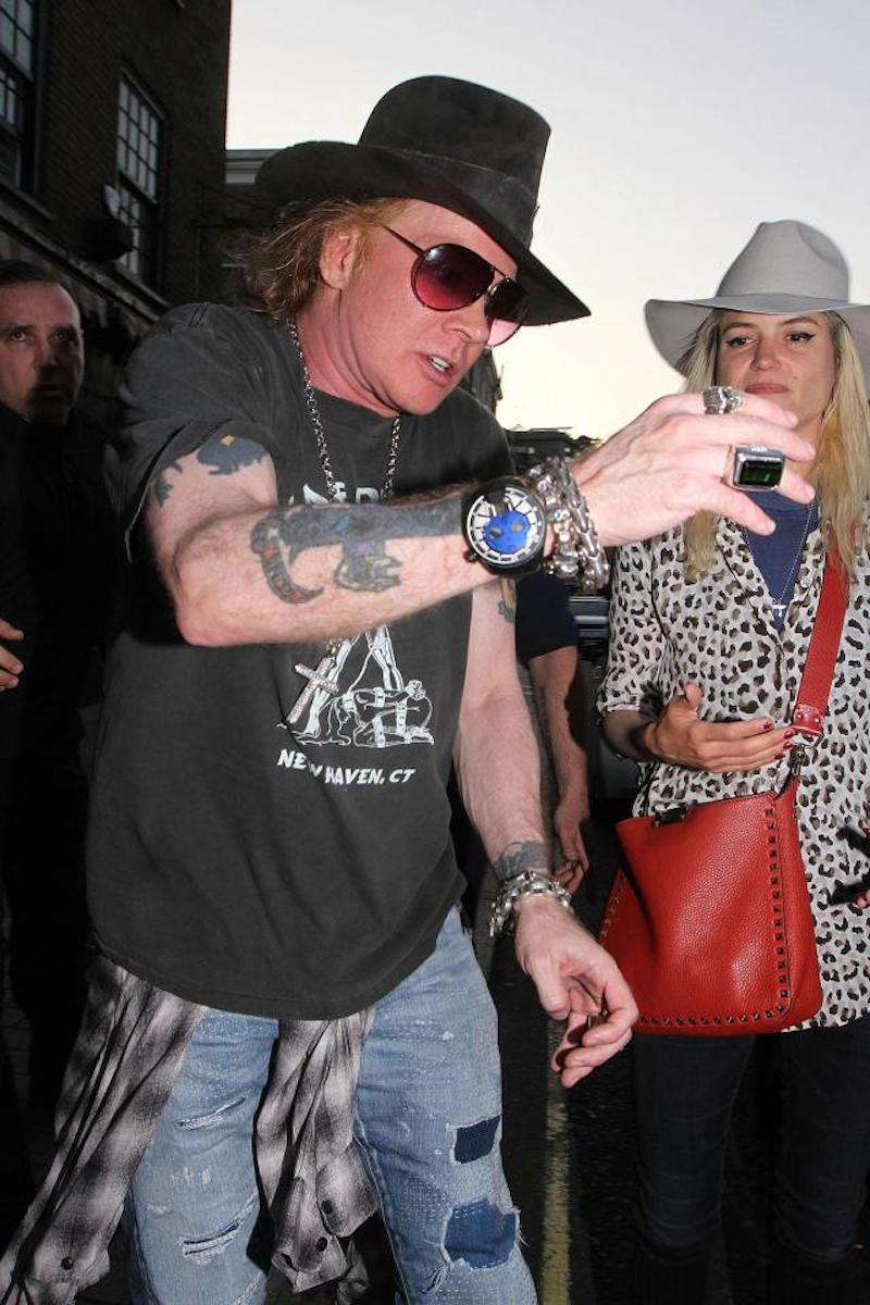 axl rose tom jones london party London officials were forced to shut down Axl Rose and Tom Jones raging bar party at 6:00 a.m.