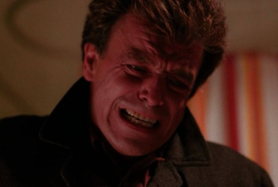 leland e1499723163120 Ray Wise Revisits Twin Peaks and Sings Mairzy Doats