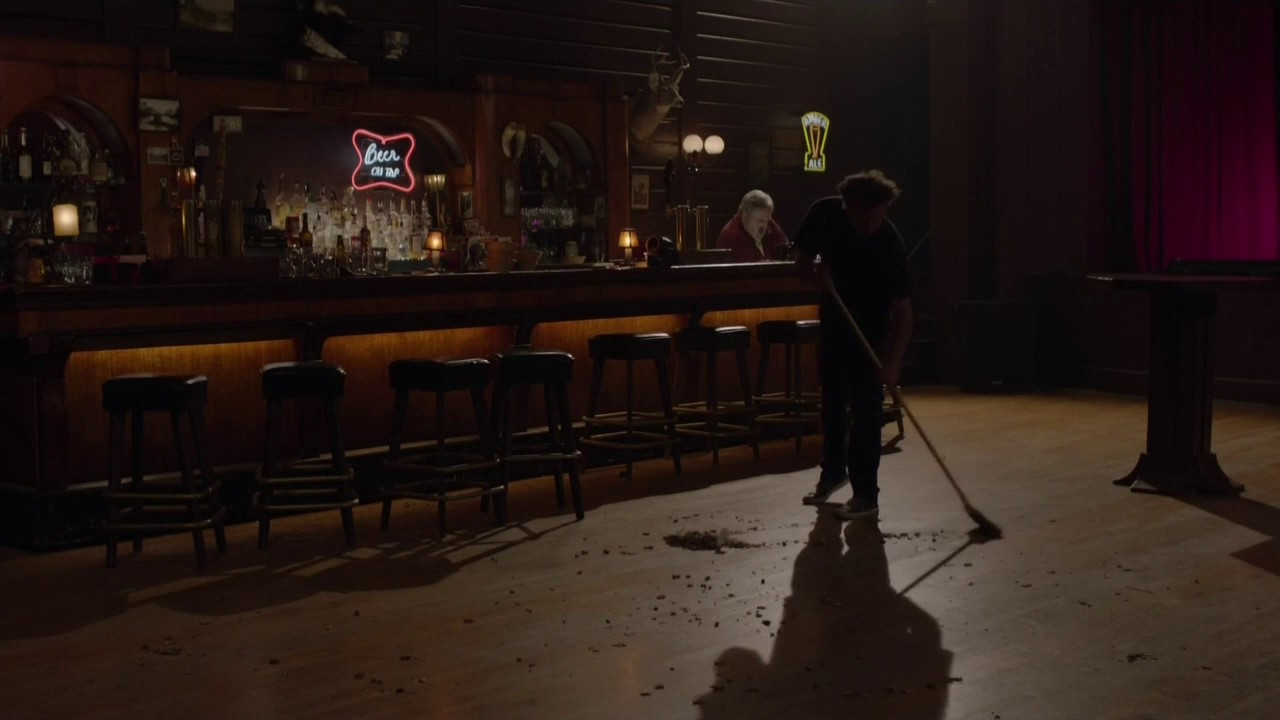 sweeping We Need to Talk About the Twin Peaks Roadhouse
