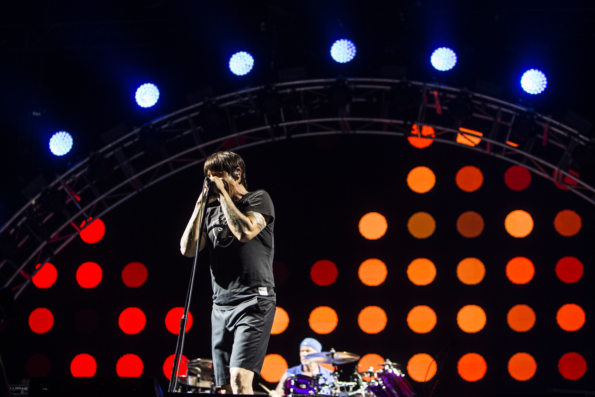 red hot chili peppers 16 Red Hot Chili Peppers.16