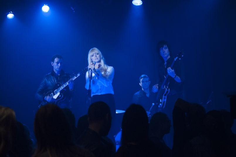 rr 17692 r Stream: Twin Peaks OST with Track by Track Breakdown by Sharon Van Etten, Johnny Jewel, Rebekah Del Rio