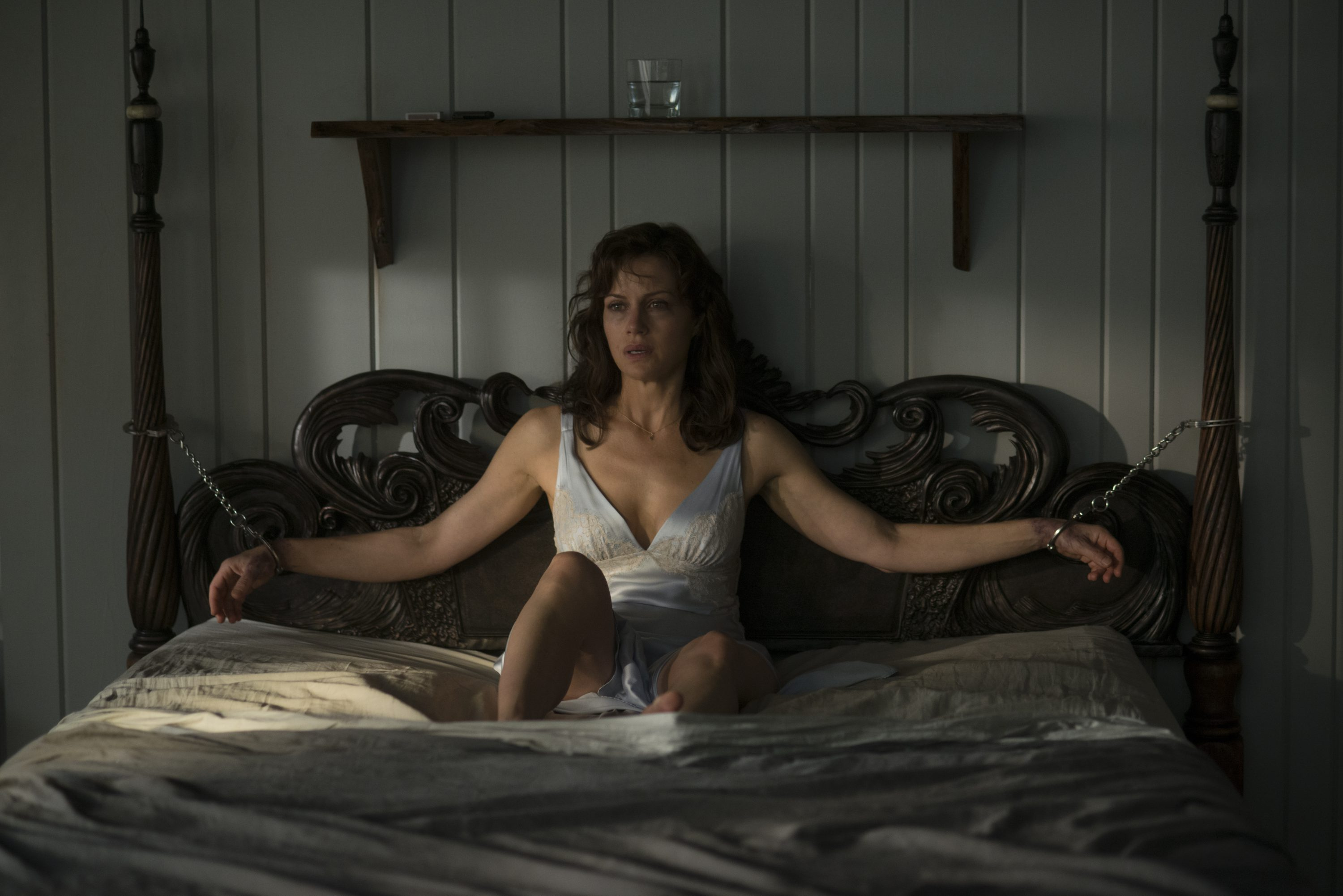 geraldsgame unit 01890 r e1507237252620 Winning Geralds Game: Director Mike Flanagan on Stephen King and Adapting the Impossible