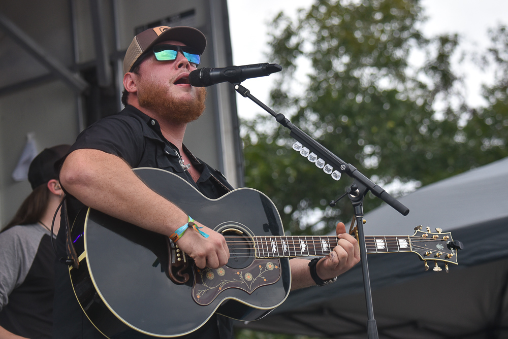 Luke Combs // Photo by Amy Price