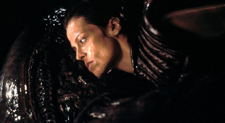 sigourney alien 4 Alien: Resurrection Set a New Low for Lazy Sequels