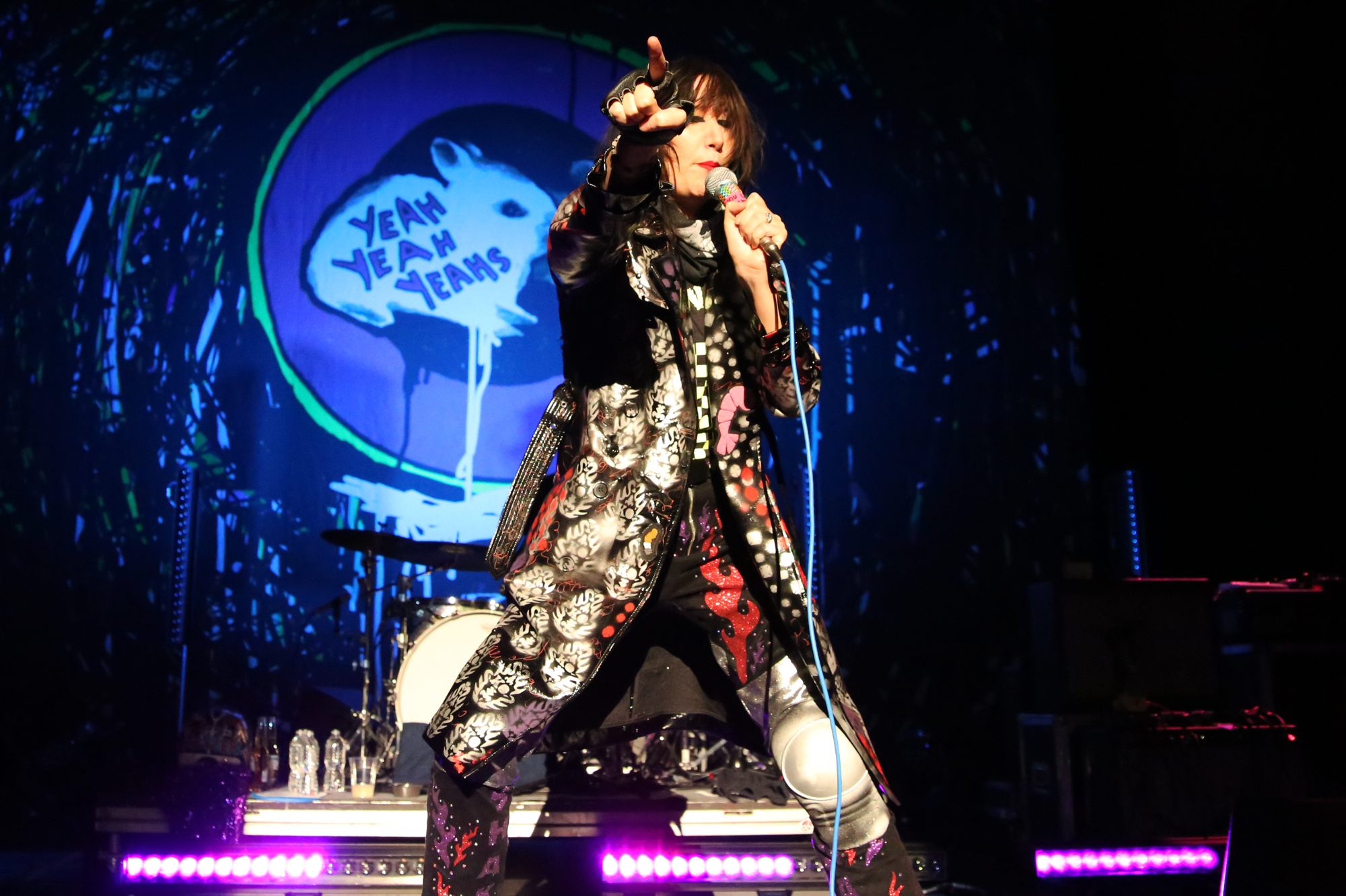 yeah yeah yeahs killian young 6 Live Review: Yeah Yeahs Yeahs Return to NYC for First Hometown Show in Four Years (11/7)