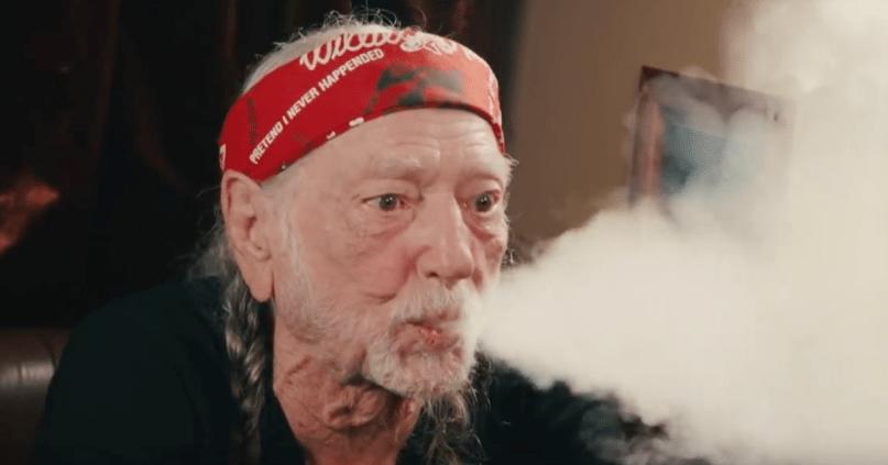 Willie Nelson quits smoking marijuana