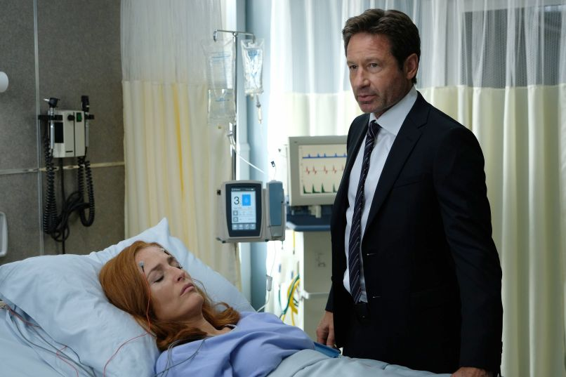 xf s2 201 sc7 rf 0048 hires2 10 Years and 10 Questions with David Duchovny: On Garry Shandling, Bonnie Hunt, and Fighting for the Future
