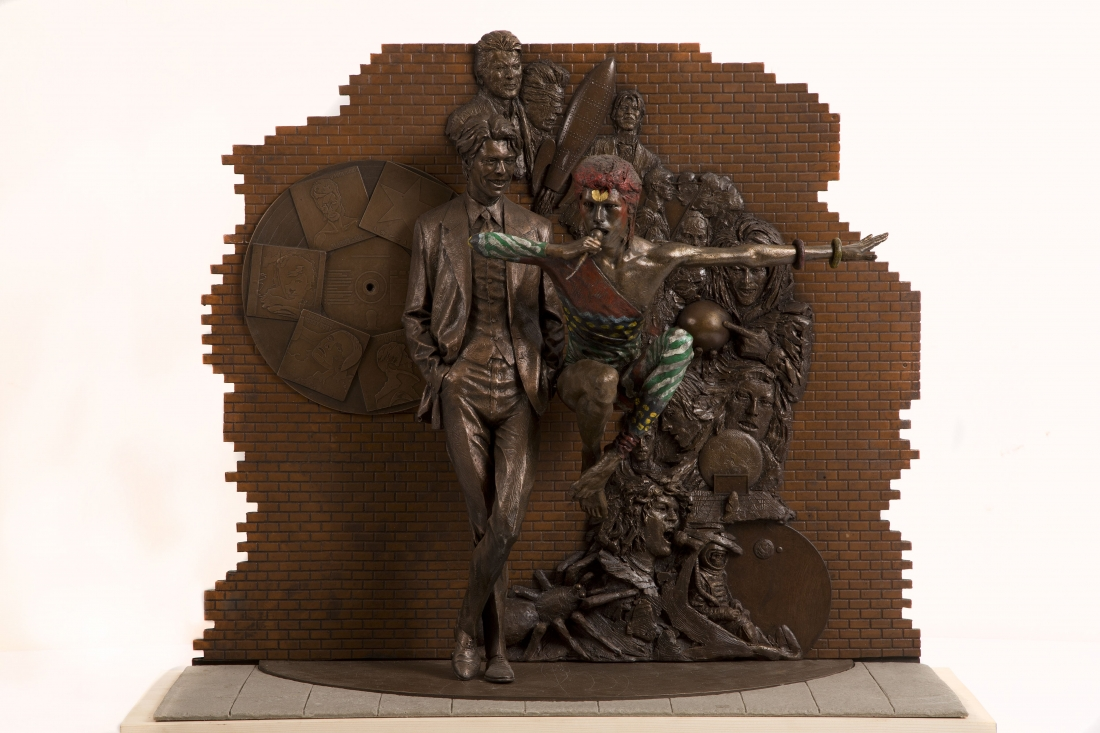 "David Bowie statue ""Earthly Messenger"""