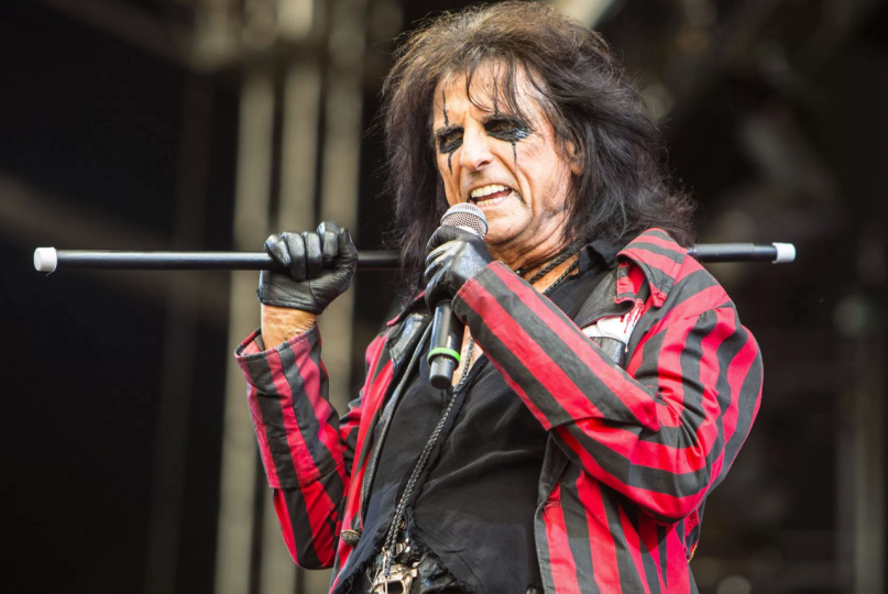 Alice Cooper, photo by Philip Cosores
