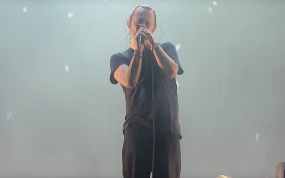 """Thom Yorke giving an a capella performance of """"The Gloaming"""""""