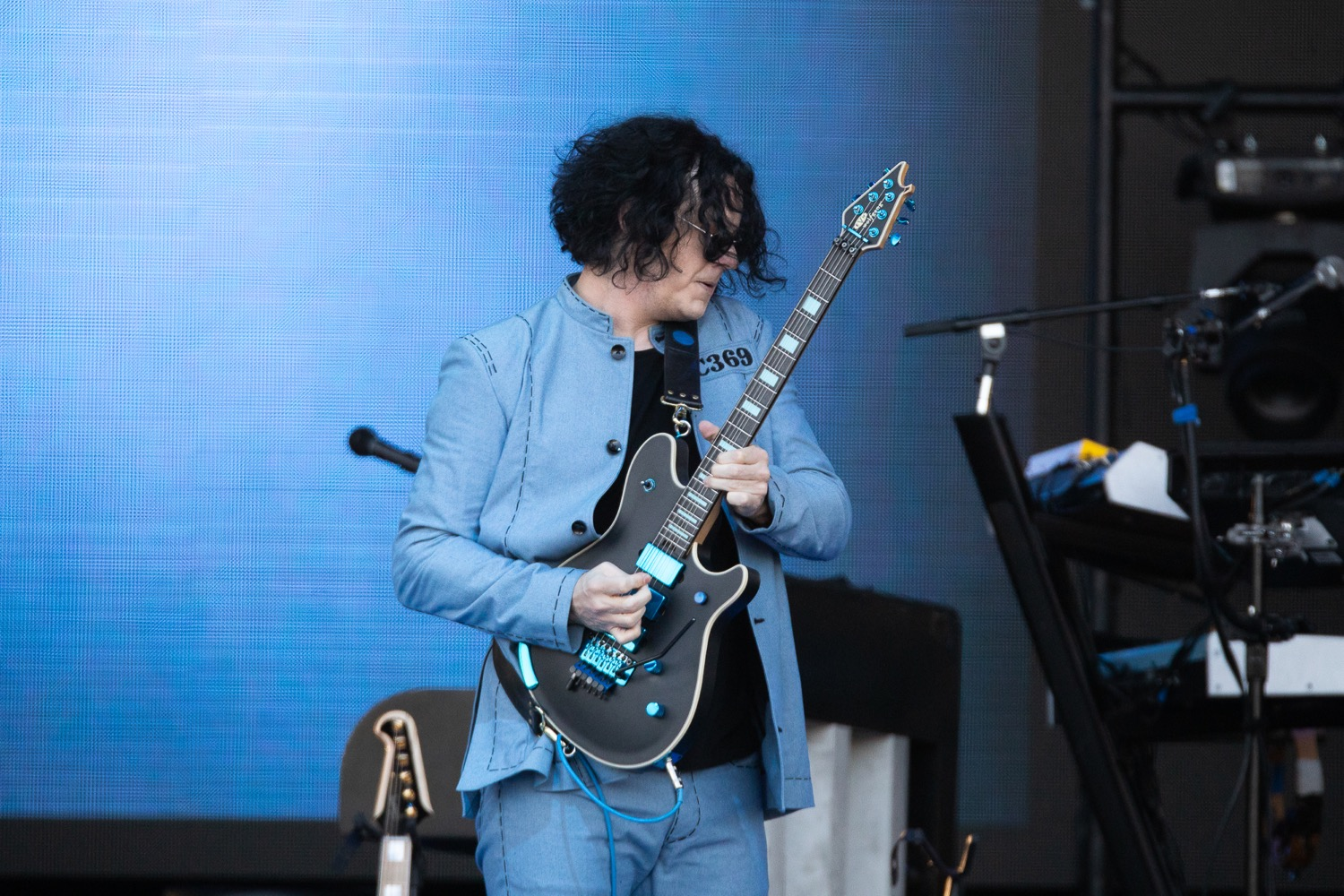 Jack White receives honorary doctorate from Wayne State University