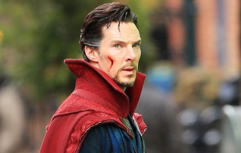 Benedict Cumberbatch rescues food delivery bicyclist from ...
