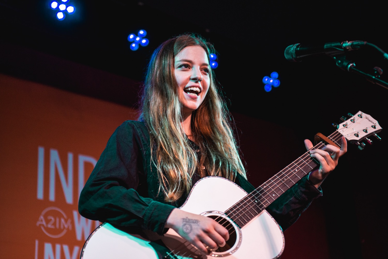 jadebird reeperbahn2018 cos juliadrummond 2 16 Reeperbahn New York Edition 2018 Photo Gallery: HAERTS, Jade Bird, Akua Naru, Surma