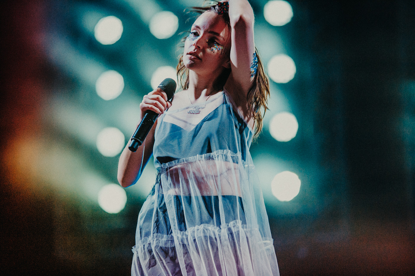 CHVRCHES, photo by Kimberley Ross