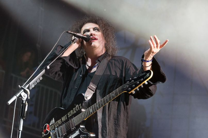 the cure robert smith goth