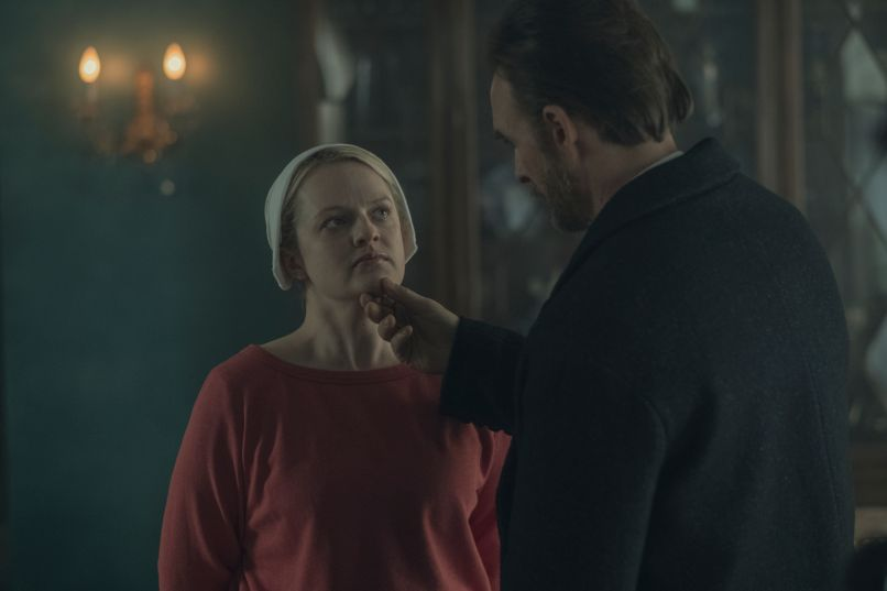 The Handmaid's Tale Elisabeth Moss red chin