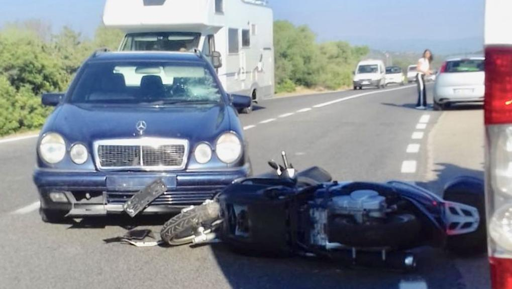 Photo from scene of George Clooney scooter accident, courtesy of La Stampa