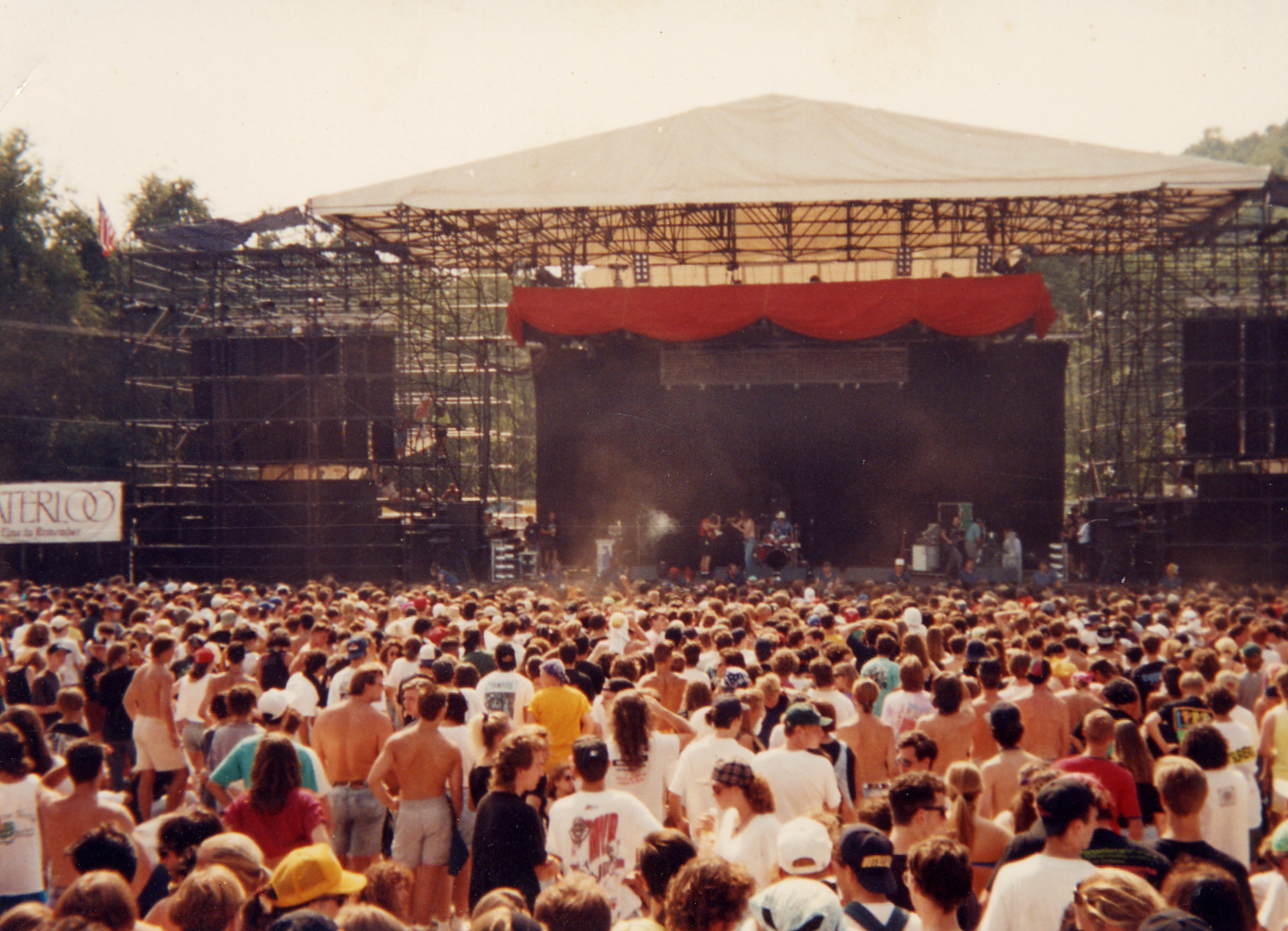 Lollapalooza New Jersey 1991, courtesy of Wikipedia