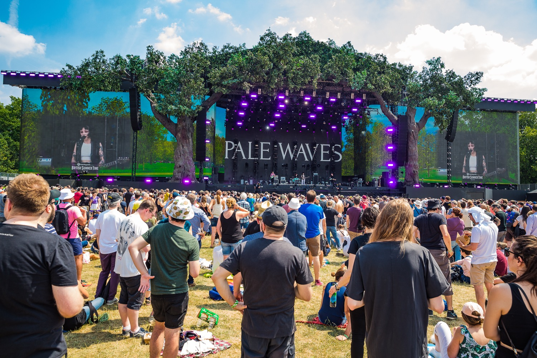 Pale Waves, photo by Debi Del Grande