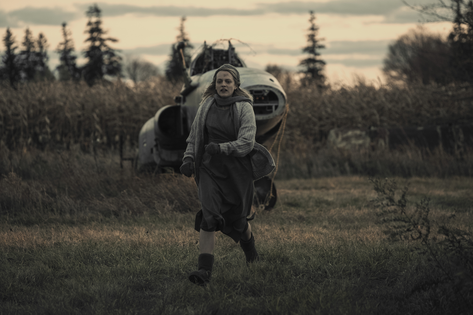 "Elisabeth Moss in ""Baggage""(George Kraychyk/Hulu)"