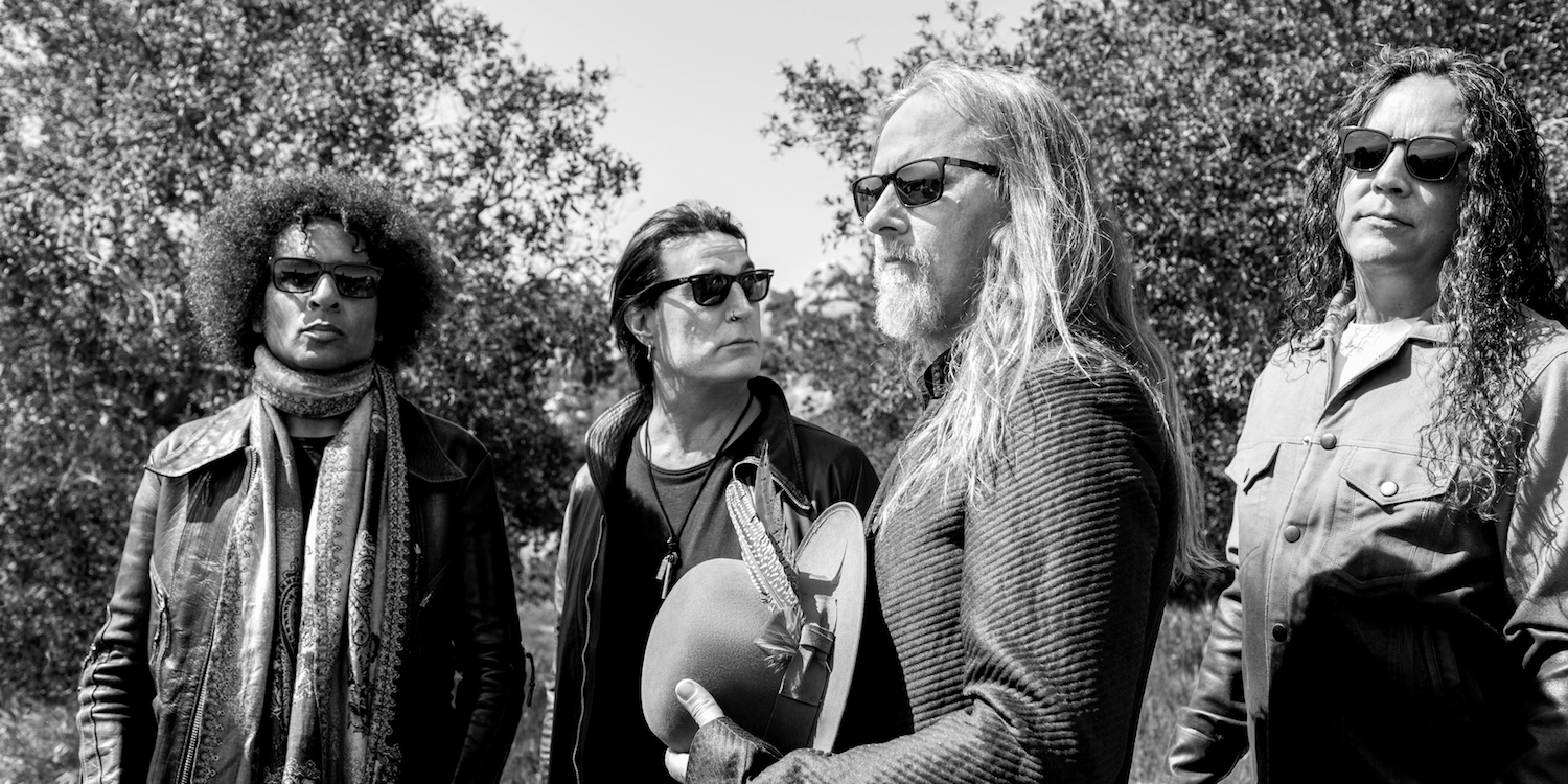 Alice in Chains Complete Black Antenna Thriller with Final Episode