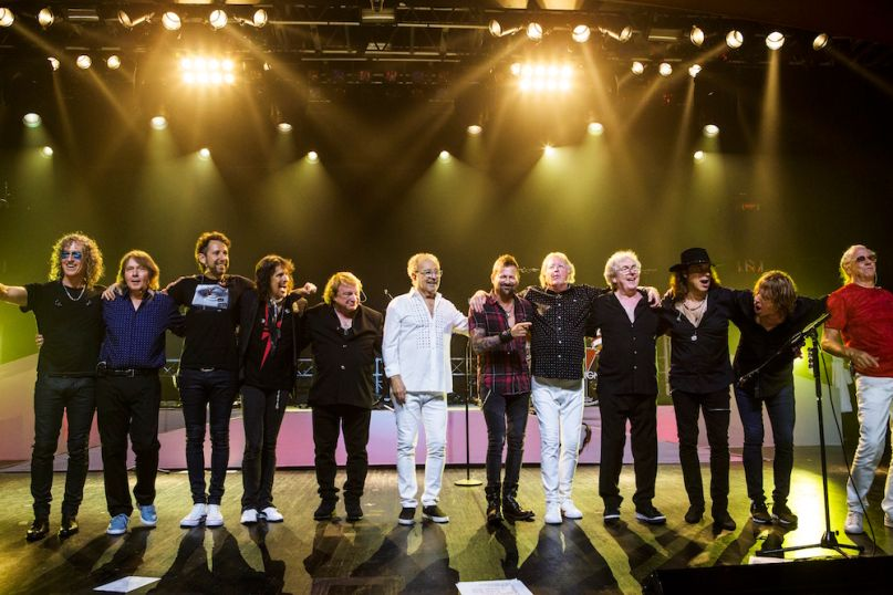 Foreigner new and old lineup tour dates Double Vision