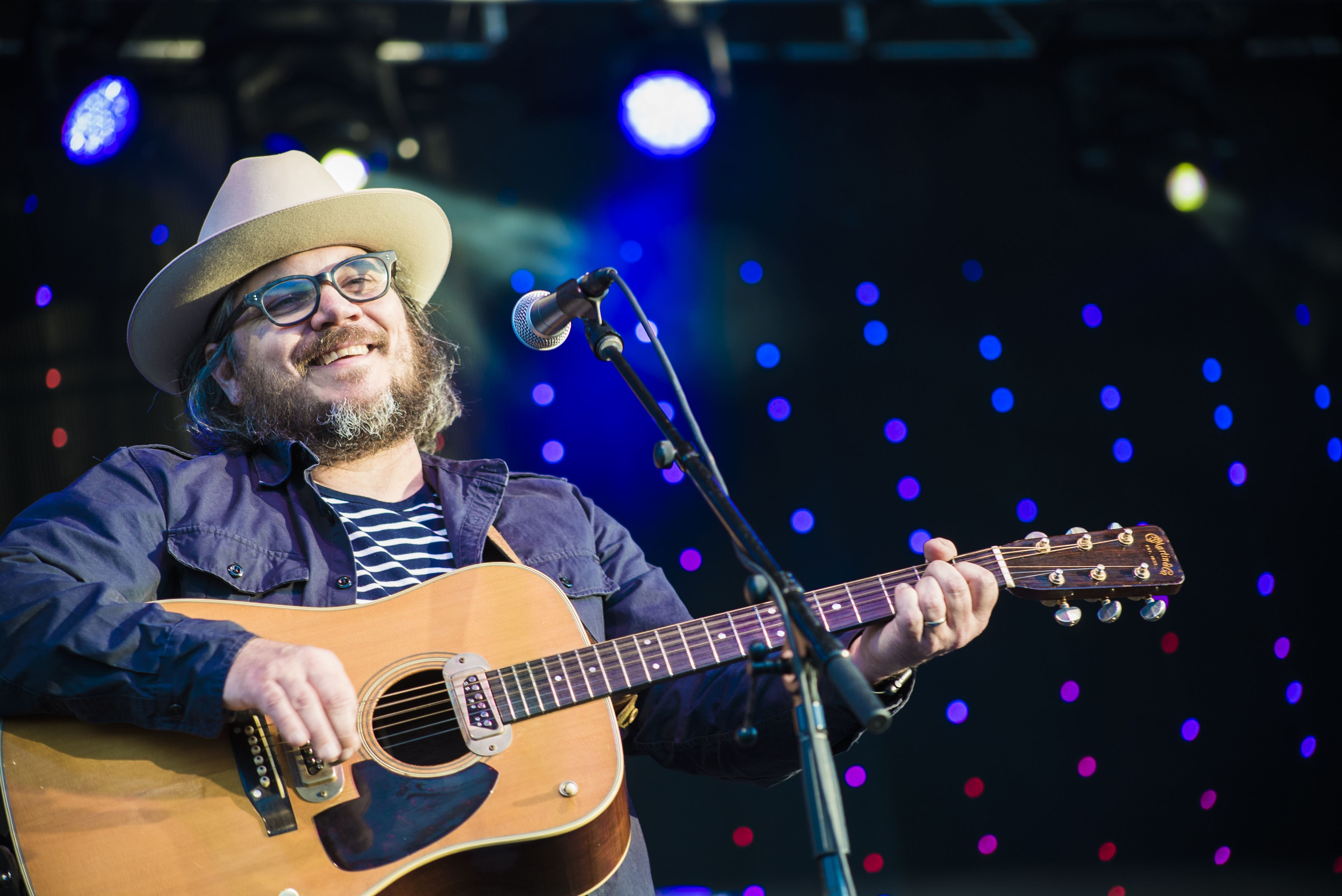 Chicago home of Wilco's Jeff Tweedy struck by multiple gunshots