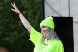 Billie Eilish, Lollapalooza 2018, photo by Heather Kaplan