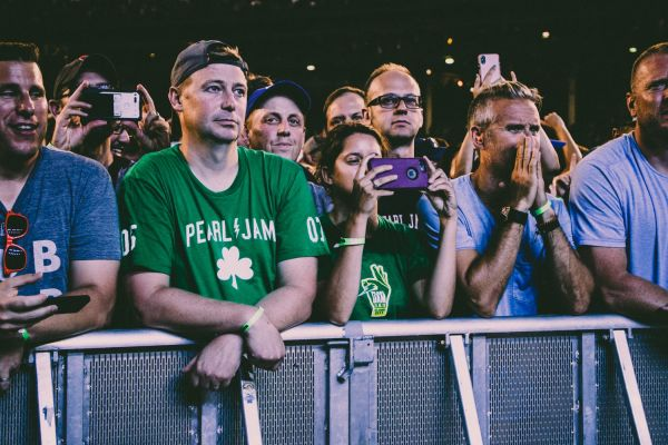 Live Review: Pearl Jam Keep Tradition Alive at Chicago's